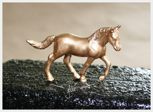 Minaudiere with Golden Horse