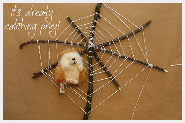 Halloween Spiderweb DIY With Prey