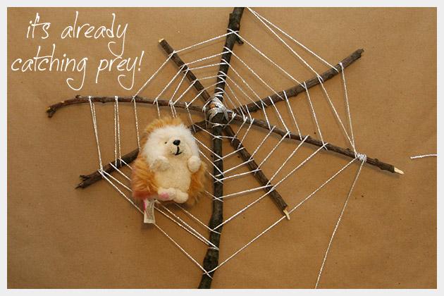 Halloween Spiderweb DIY With Prey