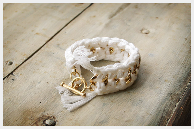DIY Crocheted Bracelet