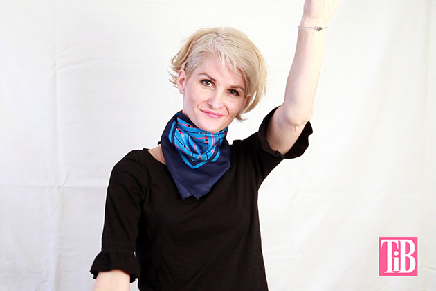 How To Tie A Scarf 6