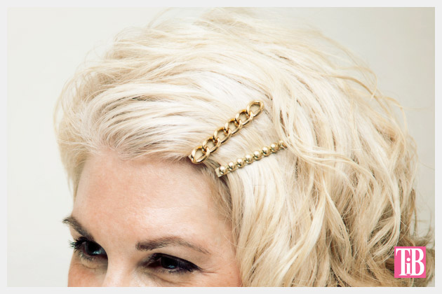 DIY Bobby Pins Close Up Gold