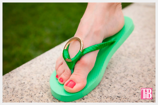 Green and Gold DIY Flip Flops Photo 2