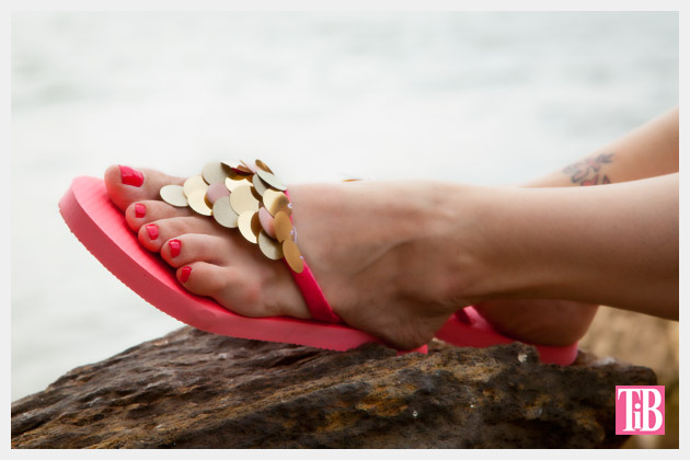DIY Flip Flops with Paillettes Photo