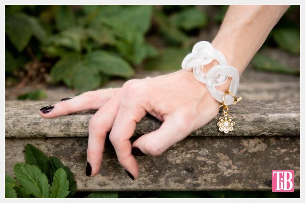 Large Plastic Chain Bracelet DIY Photo 2