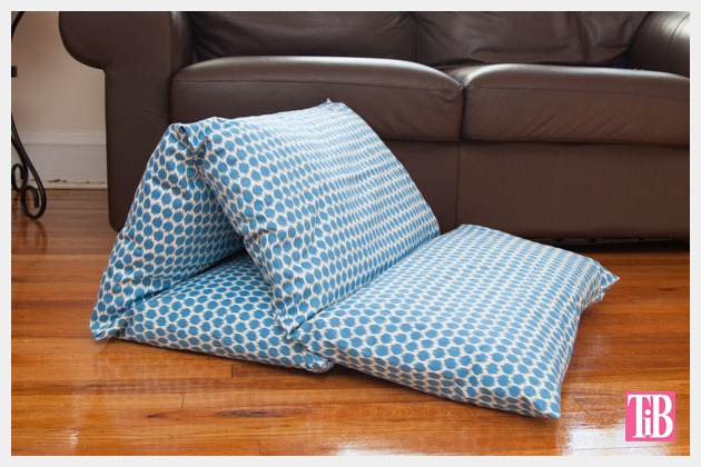Floor Lounge Pillows : DIY Pillow Lounger using Waverly Fabric