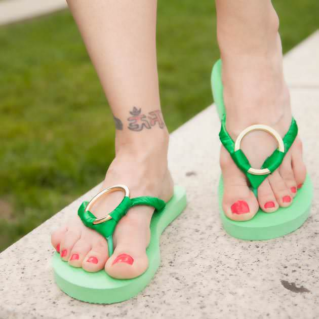 Green Flip Flops DIY