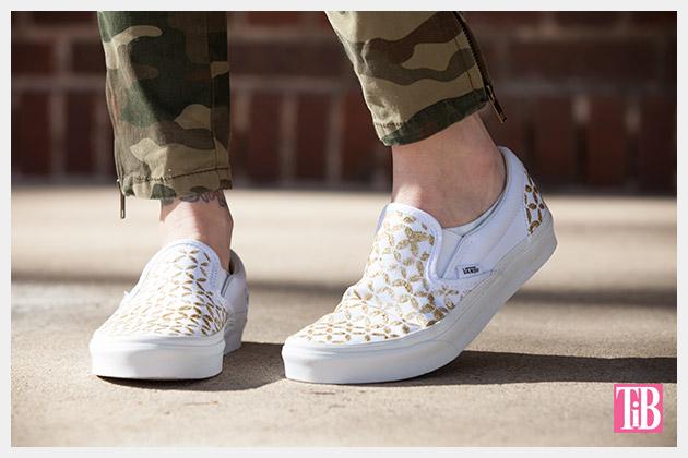 Stenciled DIY Sneakers Photo 2