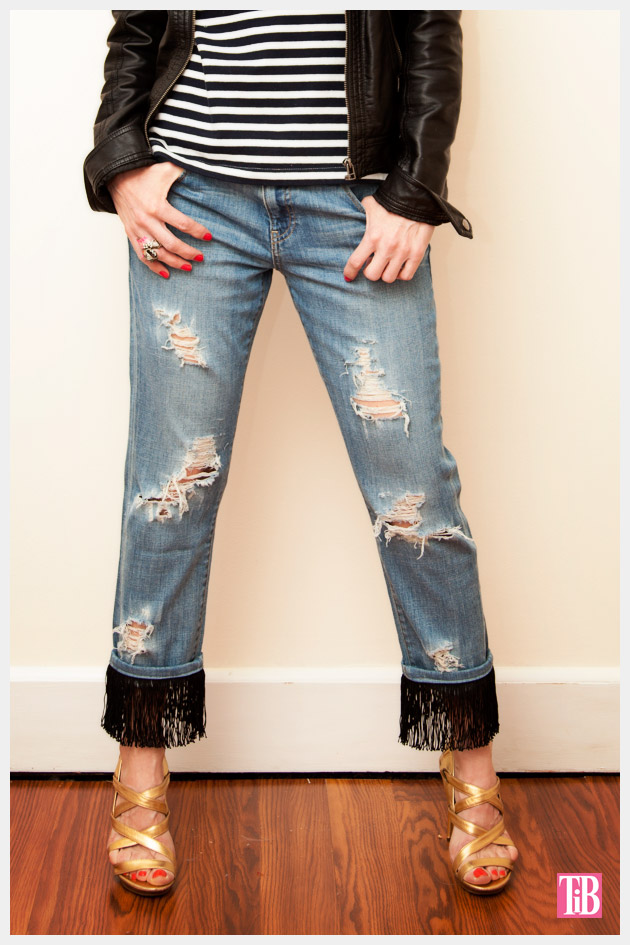 Distressed Fringed Jeans DIY Photo 1