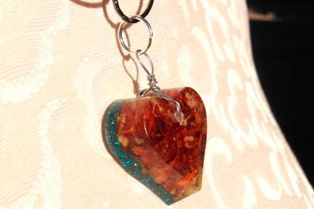 Crushed Pepper Resin Charms