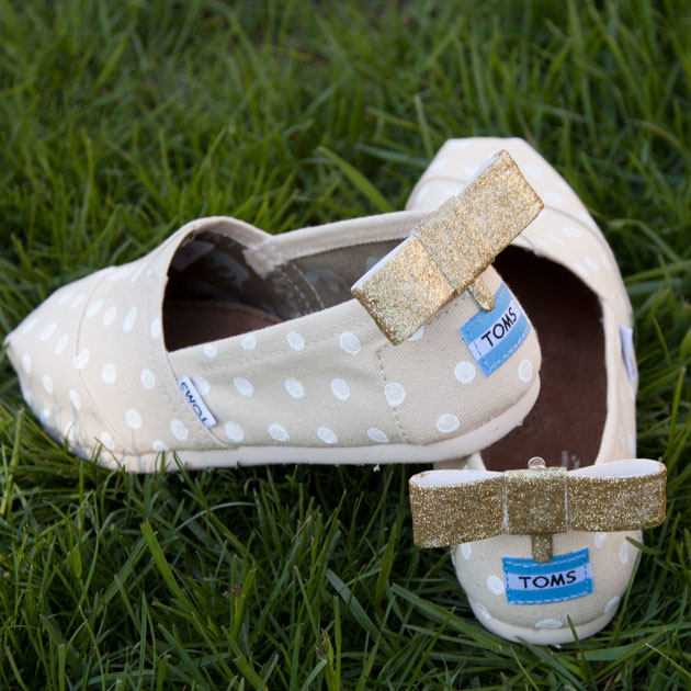DIY Toms with Bows