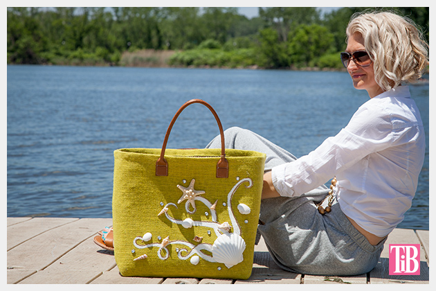 DIY Beach Tote With Shells Photo Sitting