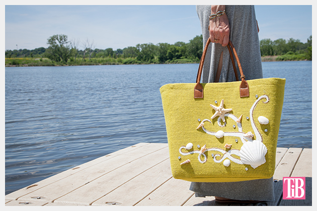 DIY Beach Tote With Shells Photo Holding