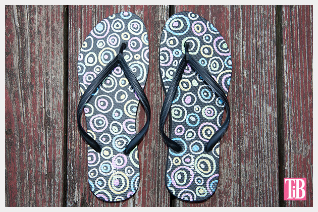 Doodle Flip Flops using Bic Mark-it Metallic Markers Pic 2