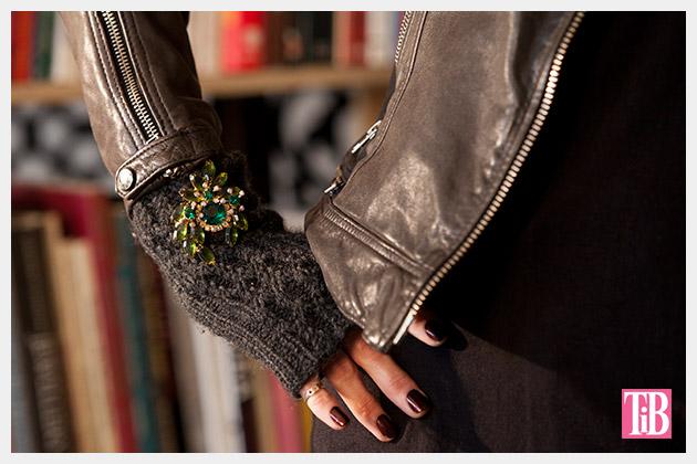 hp-360-gloves-brooch-1