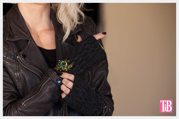 hp-360-gloves-brooch-2