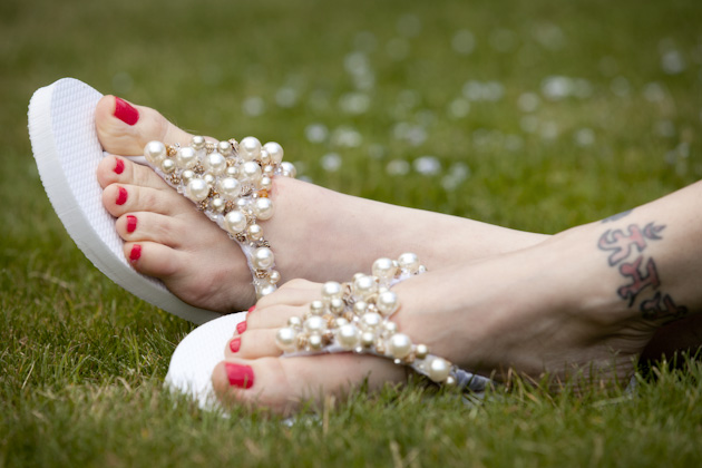 DIY Beaded Flip Flops by Trinkets in Bloom