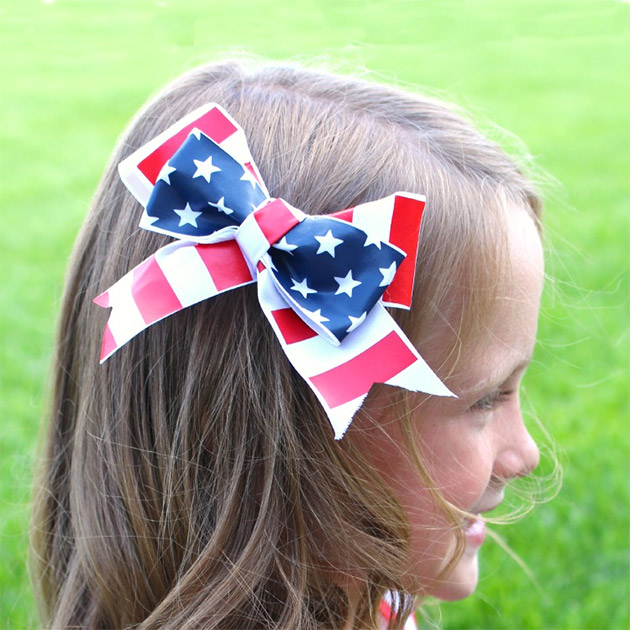 Red, White and Blue Hair Bows with Vinyl by A Girl and A Glue Gun