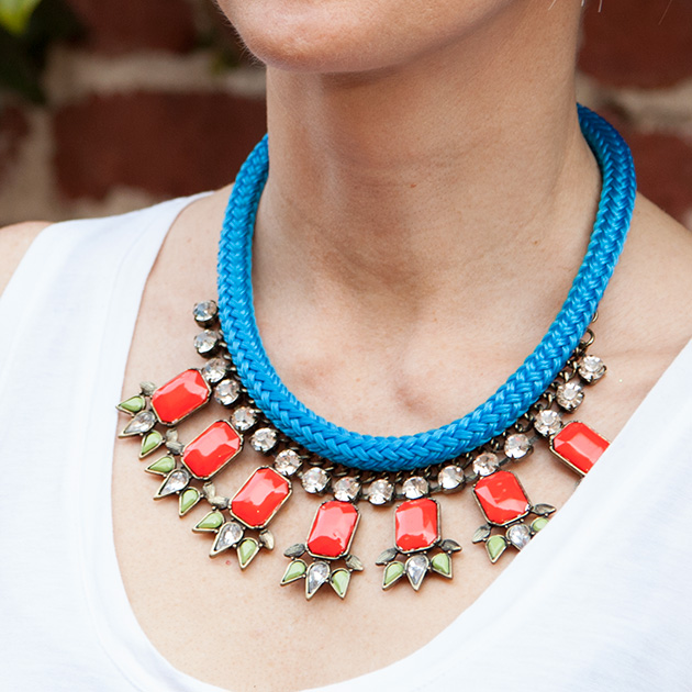 STATEMENT-NECKLACE-W-CORD
