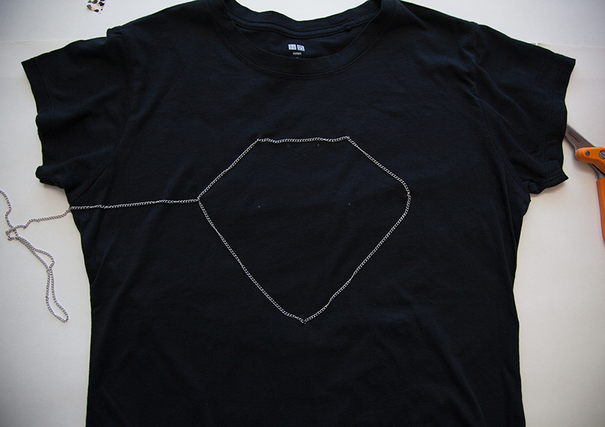 DIY Tee with Chains sewing outline
